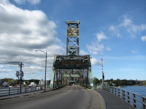 Memorial_Bridge,_Portsmouth_NH