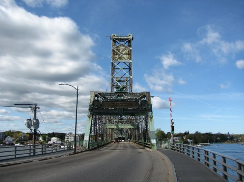 Memorial_Bridge,_Portsmouth_NH